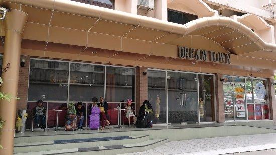 dream town hotel bangkok reviews