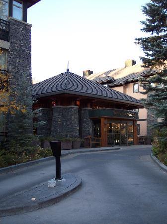 delta hotels banff royal canadian lodge review